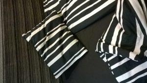 Patalynės komolektas (įvairių spalvų ir raštų) 2 pagalvinukai ir antklodė Medvilnė