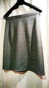Sijonas (midi). Vilna - elastanas.