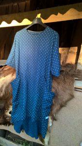 Suknelė su didelėm kišenėm. Linas.
